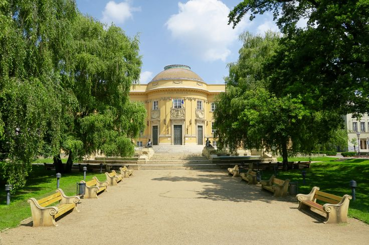 Debrecen Hungary - travel tips - Wanderlust in the City