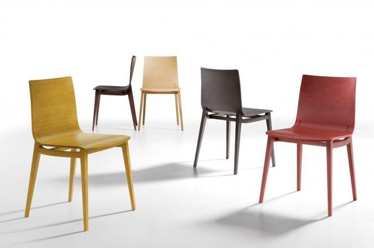 Emma chair. Un diseño Italiano sencillo pero con una estética cargada de belleza y delicadeza! #MoberSolutions