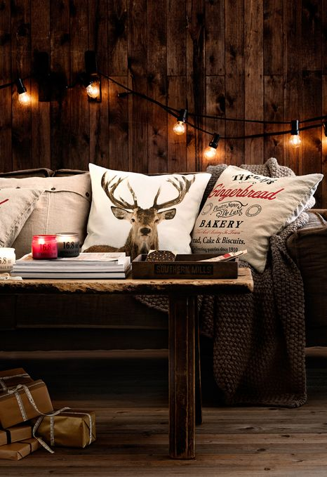 Scandinavian Christmas decor. Get more inspirations on: http://www.bocadolobo.com/en/inspiration-and-ideas/