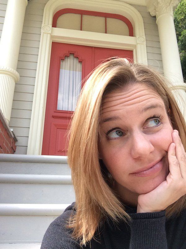"""Just hanging out, waiting for Deej and Steph... #FullerHouse"" - Andrea Barber via Twitter."