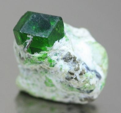 Emerald: promotes inspiration and infinite pateince; it is a life affirming stone that enhances domestic bliss, harmony, and unconditional love | #perspicacityparty #magicgeodes #emerald-