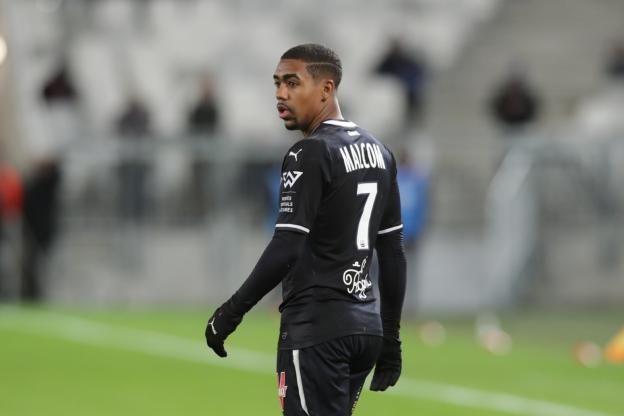 Μετά την συνάντηση της ομάδας του όπου κέρδισε με 1-0 την Nantes, ο Malcom ρωτήθηκε από τους δημοσιογράφους για μια πιθανή αποχώρηση από τ...