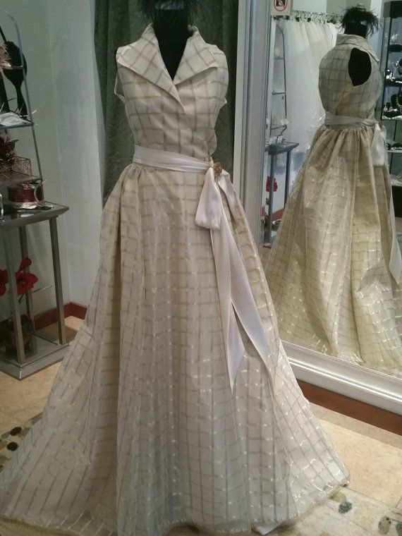 Vintage Inspired Gold and Ivory Woven Organza Plaid Wedding Dress Size 4 |  Plaid wedding dress, Vintage style wedding gowns, Plaid wedding