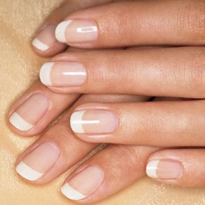 Soften up the look of square nails by rounding their edges and the result is square-rounded shape