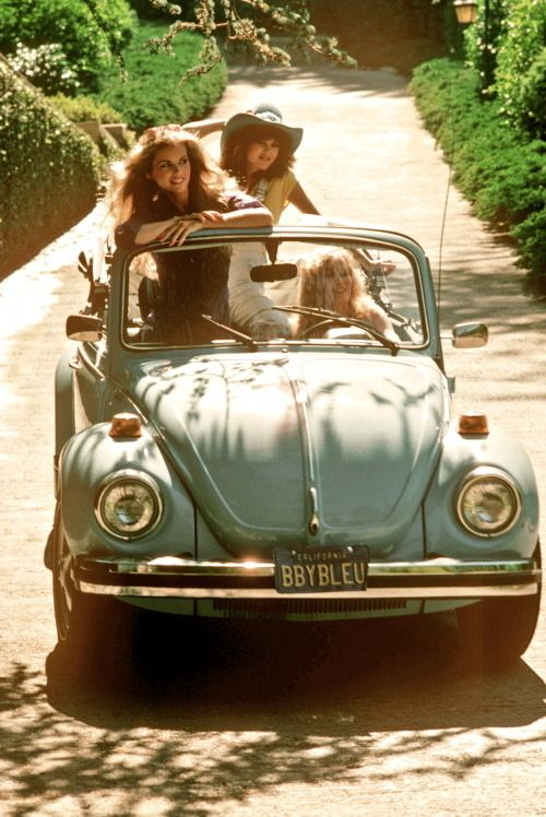 #lulufrost #letsbringback road trips with the girls... and old baby blue volkswagon beatle