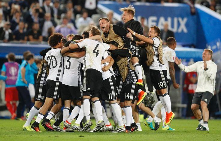 Deutschland schlägt Italien: Endlich! - SPIEGEL ONLINE - Sport