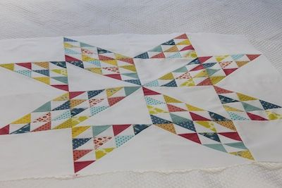 Gorgeous!: Gorgeous Stars, Stars Quilts, Half Squares Triangles, Hst Ideas, Half Square Triangles, Hst Stars, White Colors, Quilts Ideas, Triangles Quilts
