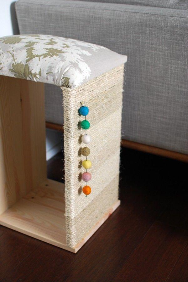 Muebles rascador / gato del gato DIY. Ikea hackear a través we-are-scout.com