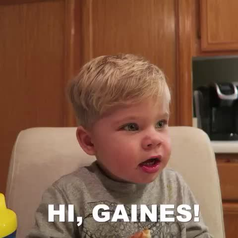 OMG MUST WATCH IF DAILY BUMPS FAN Ollie and Gaines are the cutest