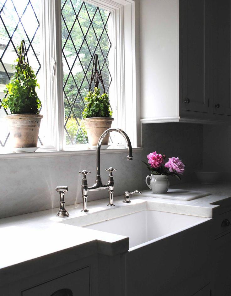 kitchen sinks kitchen remodel white shaker kitchen cabinets kitchen