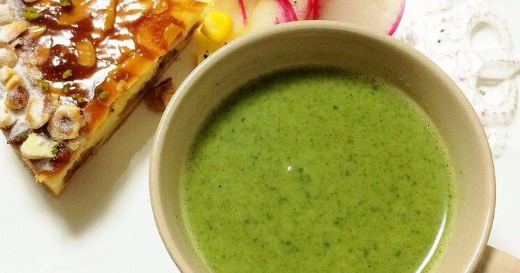 濃厚なほうれんそうの味わいを♪ハンディブレンダーがあれば超簡単。ビタミンCとカルシウムが摂れる栄養スープ♡風邪予防にも。