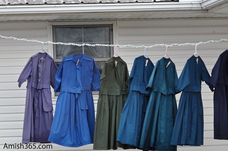Laundry dries on the line in Holmes County, Ohio | Amish ... | 736 x 488 jpeg 57kB