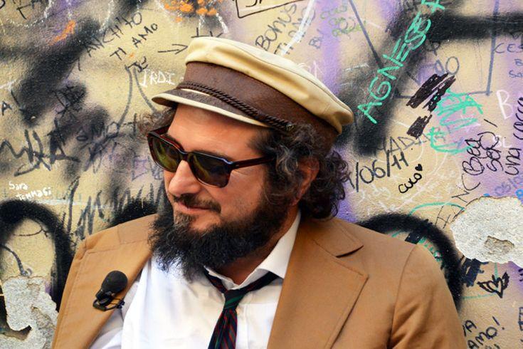 Il cantante Vinicio Capossela  by giovanni frenda