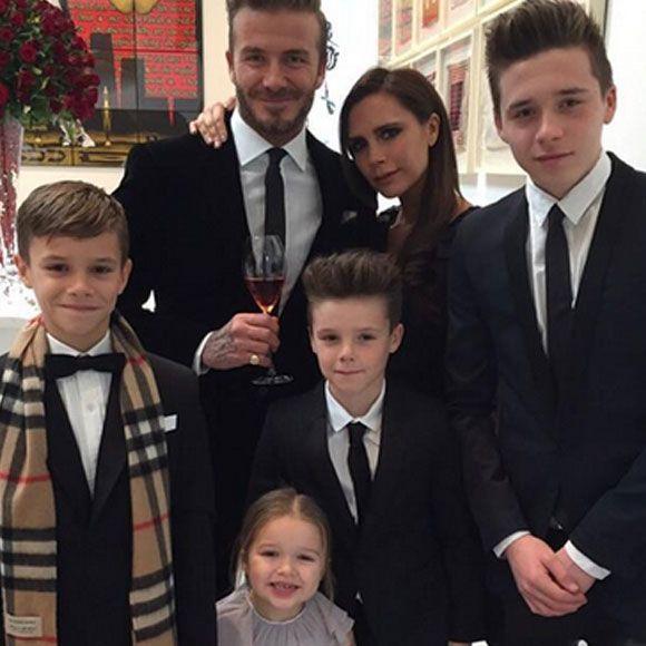 Victoria et David Beckham célèbrent leur 16e anniversaire de mariage en famille | HollywoodPQ.com