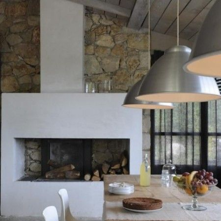 How to get the country look in a city kitchen. Find more kitchen inspo at www.redonline.co.uk
