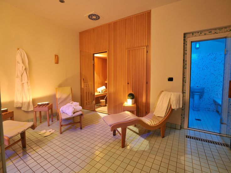 Un piccolo angolo per il vostro Relax con Sauna finlandese, Bagno Turco, Doccia ionizzante.