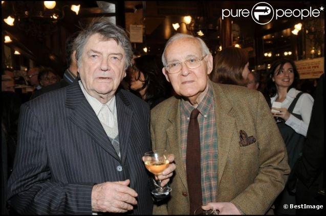Robert Sabatier et le cinéaste Jean-Pierre Mocky, à Paris, le 20 mars 2008.