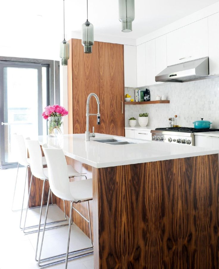 Modern Kitchen Cabinets For Small Kitchens: 25+ Best Ideas About Small Modern Kitchens On Pinterest