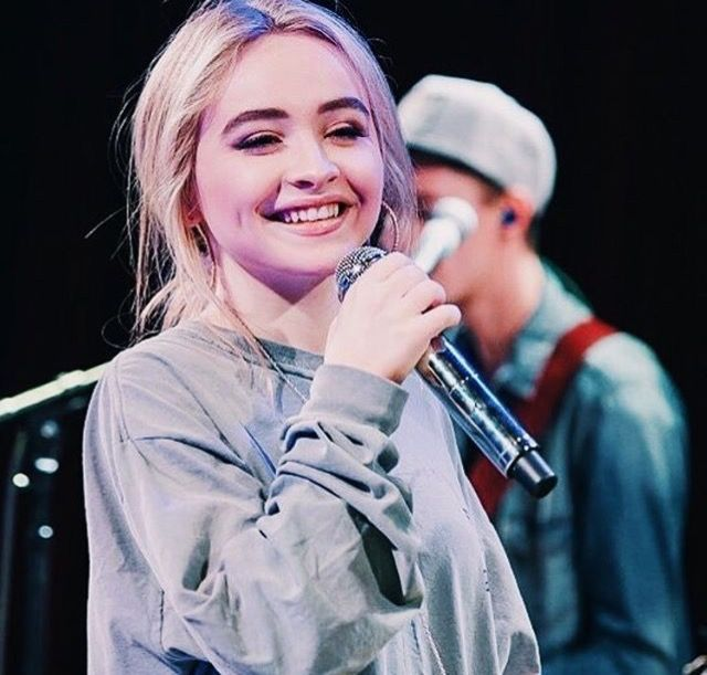 Sabrina Carpenter // performing VIP Evolution tour 2016