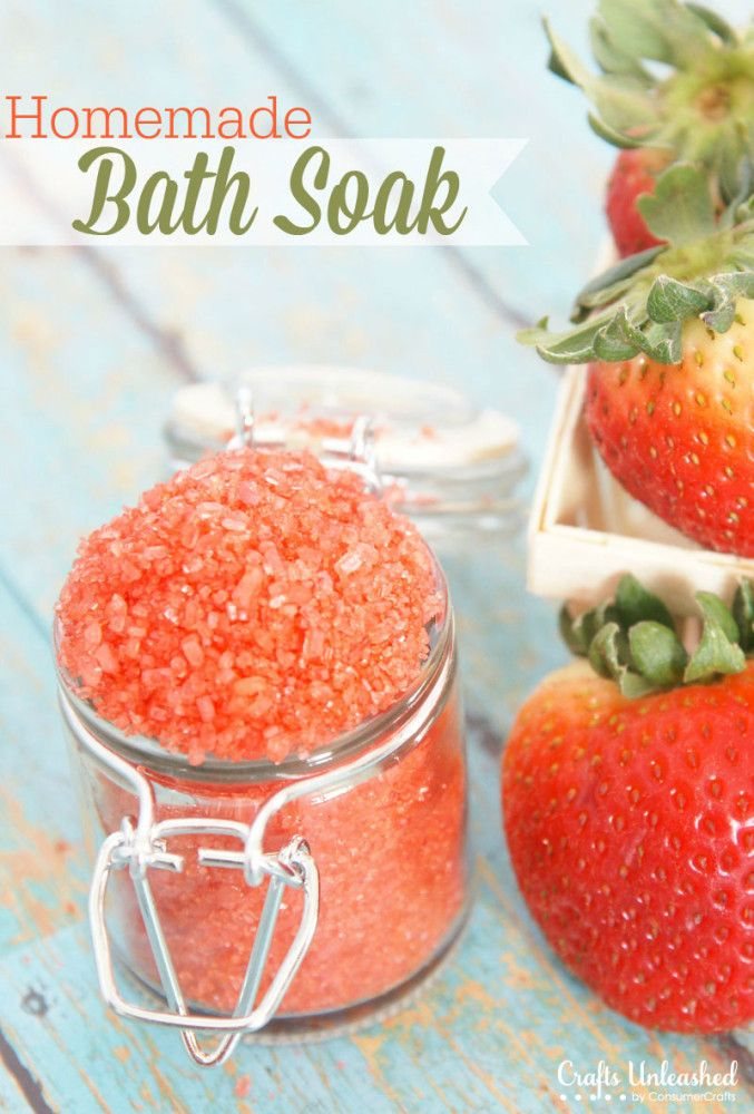 Homemade Strawberry Bath Soak Salts | such an easy diy beauty idea and it makes a perfect gift too | #mothersday #diybeauty #diy #beauty #bath #homemadegift