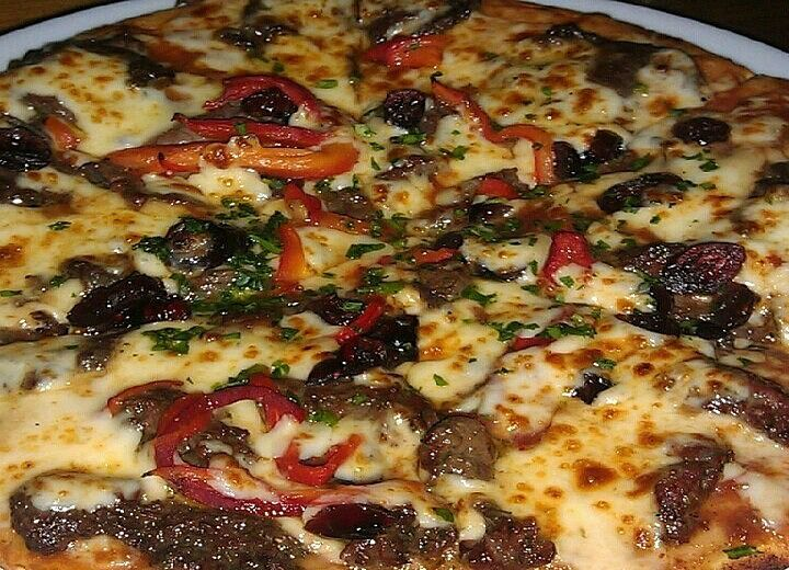 Kangaroo Pizza at Australian Heritage Hotel, The Rocks, Sydney - For a taste of Aussie. Also have crocodile and emu pizzas. A #hooroo #SecretSpots in Australia.
