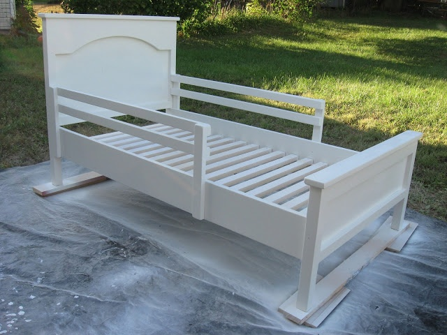 Vintage Violet Style: Farmhouse Toddler Bed with Customized Crib Rails