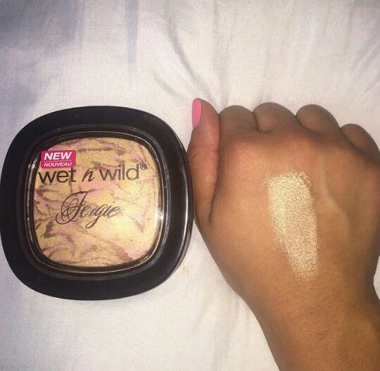 "Wet N Wild's ""Hollywood Boulevard"" highlight £3.89 at Walgreens also a great dupe for Estee Lauder ""Heat Wave"""