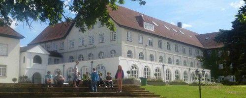 En collège à Downe-House #DowneHouse #College #UK #Education #campus