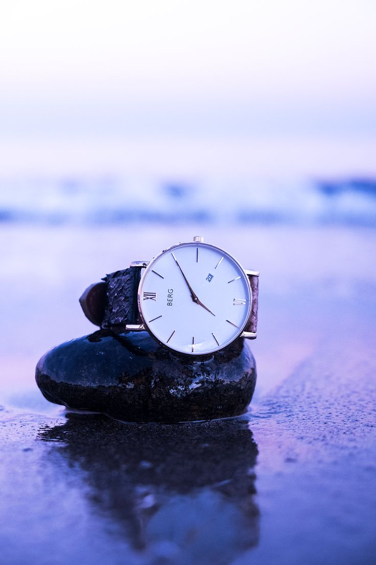 Did you know that our strap are made out  of salmon leather? And nope, it doesn't smell fish!  #fashion #mensfashion #womensfashion #watches #bergwatches