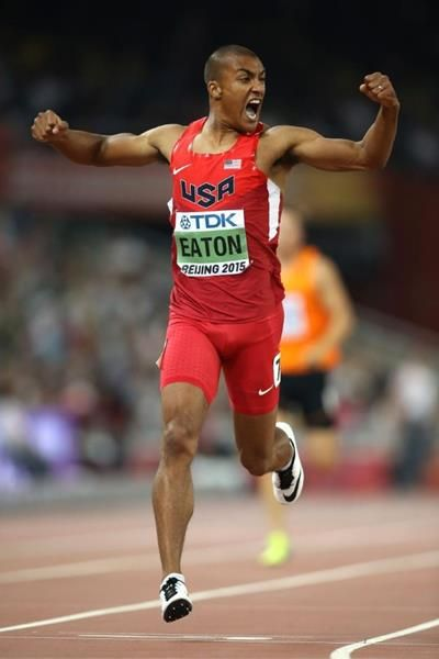 Ashton Eaton wins the decathlon 400m at the IAAF World Championships, Beijing 2015 (Getty Images)