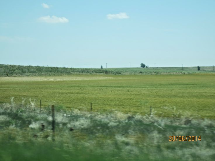 The Travelling Lindfields: Crossing the Hay Plain - Ooopps!  I mean Kansas