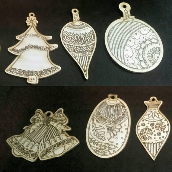 Decorative Wooden Laser Etched Christmas Decoration Hand Drawn