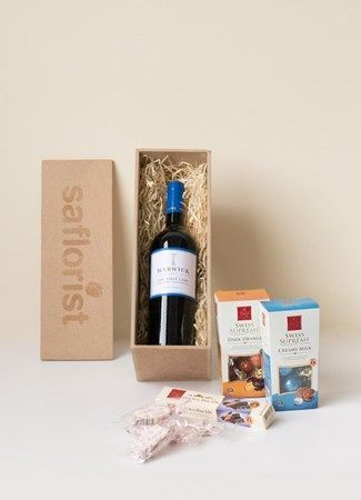 Red Wine and Nibbles Corporate Gift Box