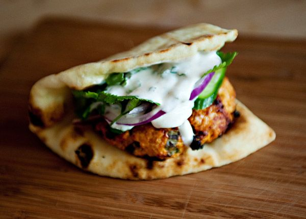 Tandoori Chicken Burgers with Yogurt Sauce, easiest and freshest tasting burger ever! #appetizer #gameday #protein