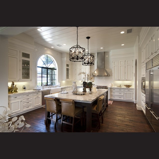 Kitchen Cabinets Height For 10 Foot Ceilings: With 10ft Ceilings, The Kitchen Has Plenty Of Space For