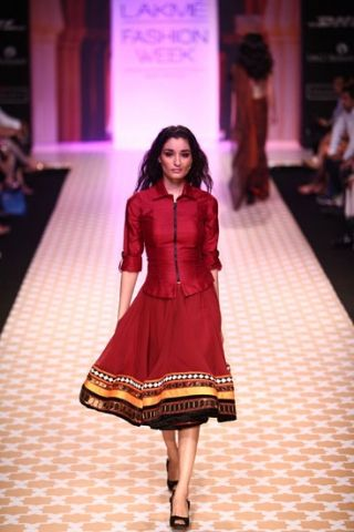 Scarlet Bindi - South Asian Fashion Blog: Lakme Fashion Week Day 6: Archana Kochhar, Shyamal & Bhumika & Sabyasachi