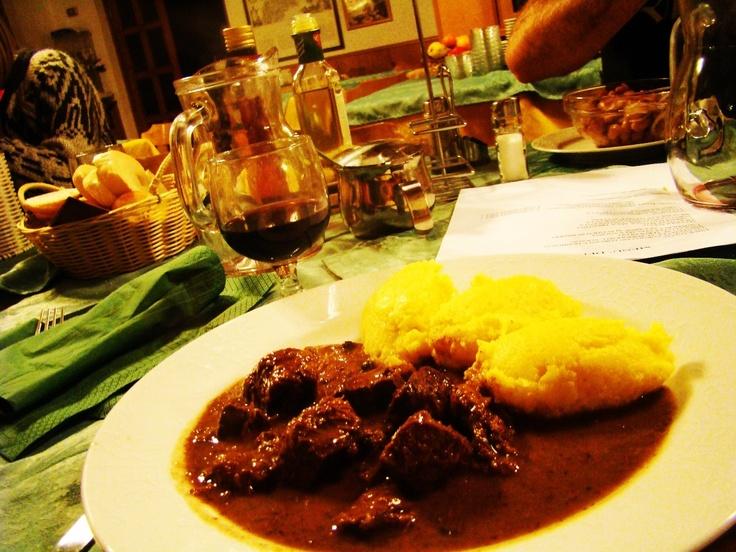 #Polenta fatta con Farina Valsugana. #Trentino-Alto Adige | www.BedAndBreakfastItalia.com - #TrentinoAltoAdigeFood #Food #ItalianFood #TrentinoAltoAdige #Italy