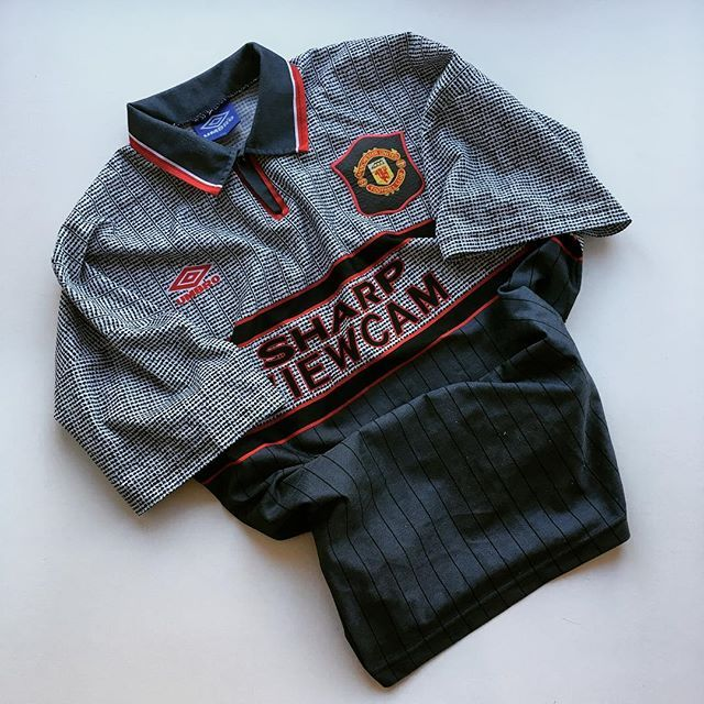 The one that Alex struggled to see  #mufc #manunited #manchesterunited #oldtrafford #premierleague #premiership #umbro #umbrofootball #football #footballshirt #retro #retroshirt #retrofootball #retrofootballshirt #vintage #vintageumbro #vintagefootball #vintagefootballshirt #classickit #classicfootball #soccer #soccerjersey #oldschool #90s #90svintage #90sfootball