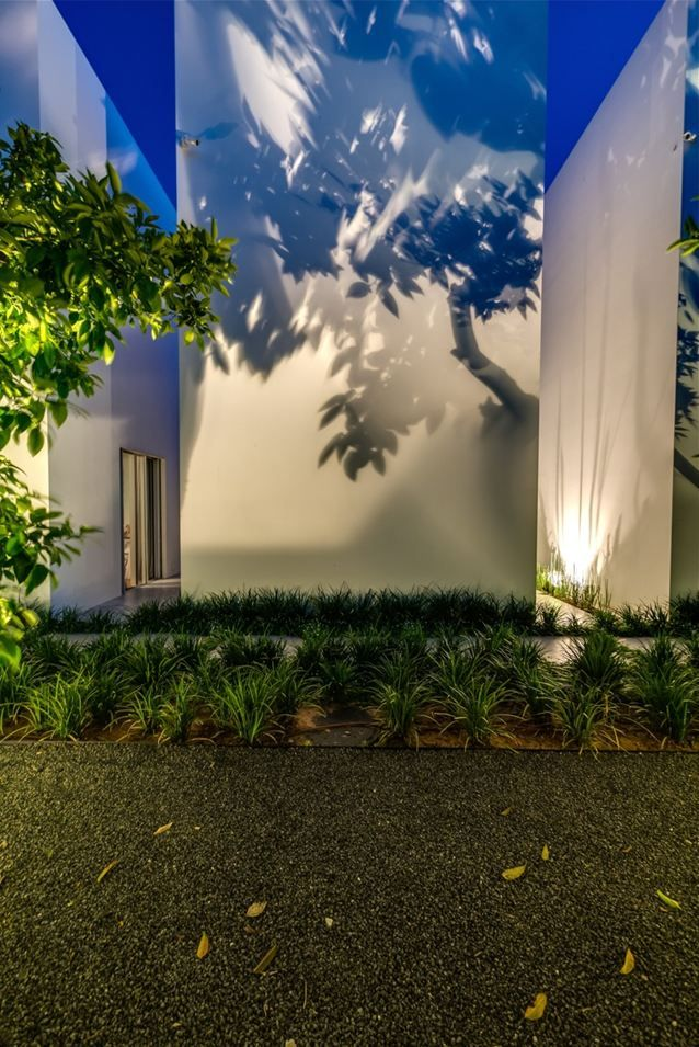 25 best ideas about contemporary outdoor lighting on for Outdoor lighting concepts