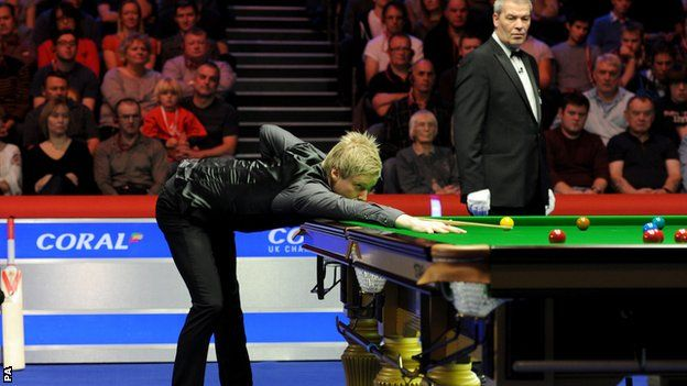 Defending champion Neil Robertson advanced to the third round of the UK Championship in York with a hard-fought 6-5 win over Kyren Wilson. World number 63 Wilson won a re-spotted black to level the match at 3-3 then made a clearance of 87 to lead 5-4. He missed a chance to win the match and Robertson took the decider with an 86.