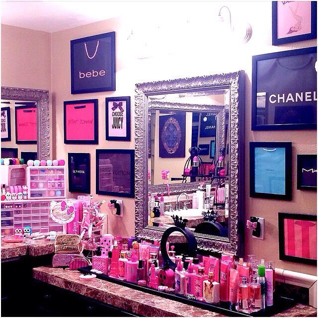 CLICK TO SEE MORE Beauty Room Designs On Our BLOG for #makeup organization and #beautyroom décor. Omg cute idea!!