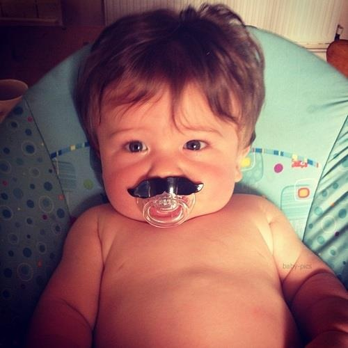 chupeta de bigode