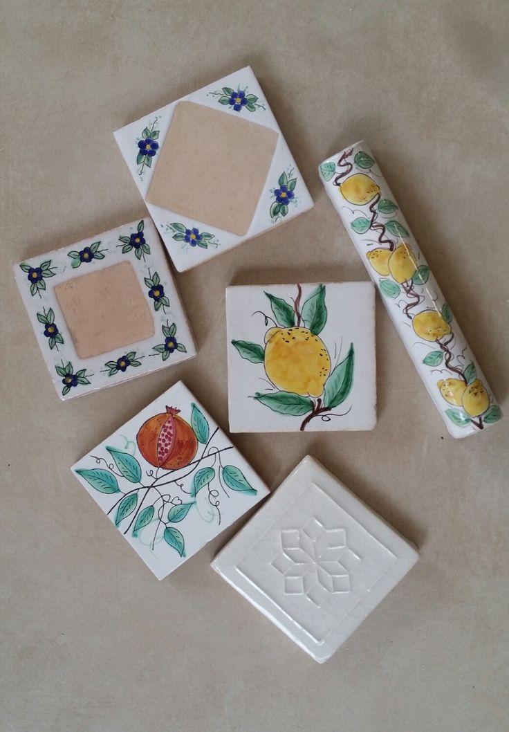 Ručně vyráběná a malovaná terakota, ...citron, granátové jablíčko a fialka.