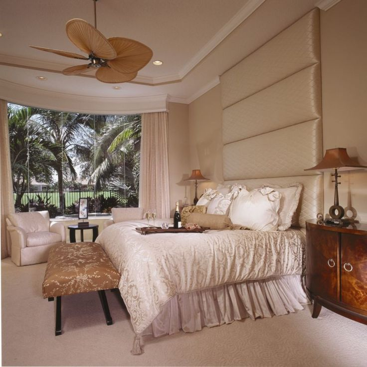 This modern cream bedroom was completed by brown 39 s for Brown and cream bedroom ideas