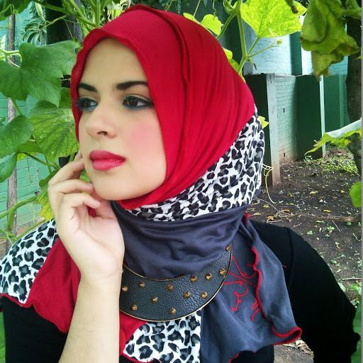 love the mixed print in this hijab
