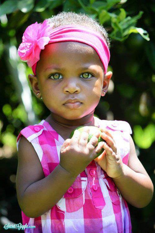 Enfants du monde ……reépinglé par Maurie Daboux….ღ. ¸.•*¨