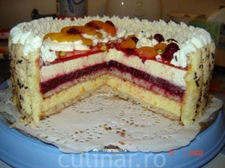 Tort cu caise, zmeura si migdale - Culinar.ro