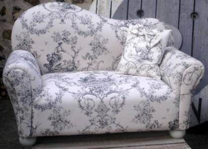267 best images about toile pattern love on pinterest french fabric fabrics and chairs. Black Bedroom Furniture Sets. Home Design Ideas