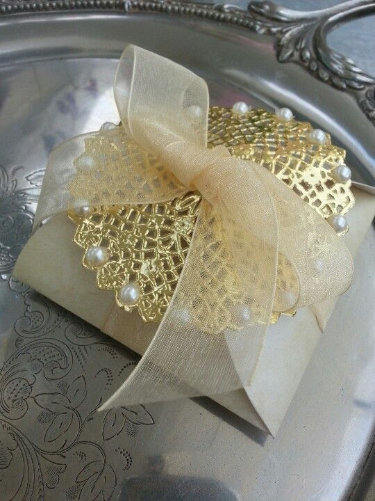Gold Collection wedding favors box (for sale on Etsy/Condessa Carlota)
