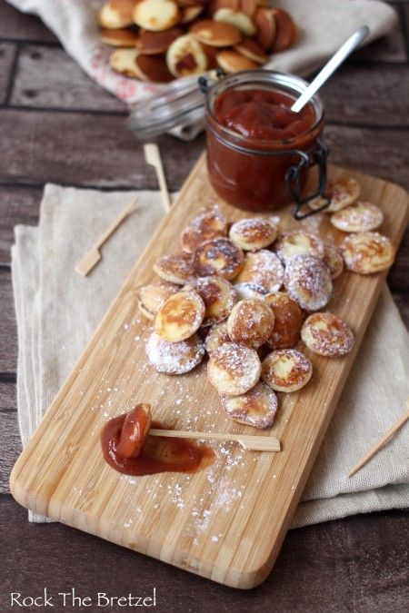 Poffertjes(crêpes néerlandaises) et beurre de pommes